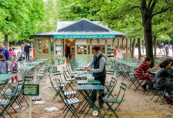 Cafe in the jardin du luxembourg for Cafe du jardin london