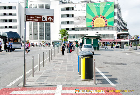 Direction to the People Mover on Piazzale Roma
