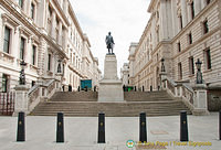 Statue of Robert Clive