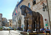 Another view of Botero's horse