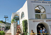 Back at the Seggiovia station in Anacapri