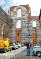 Il Facciatone, the unfinished nave gives an indication of the size of the planned extension