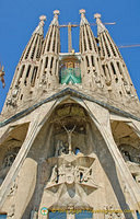 The Passion Facade is a much plainer and the sculptures are free of ornaments