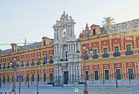 Grand gateway of the Plaza de España